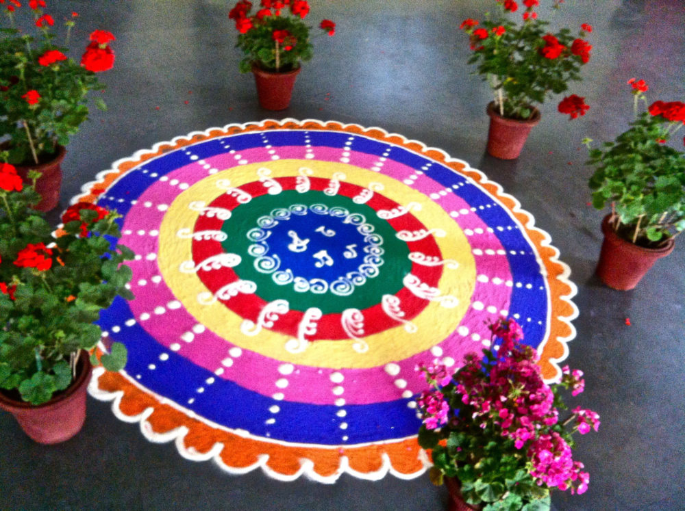 Collection of hundreds of Free Rangoli Designs from all over the world.